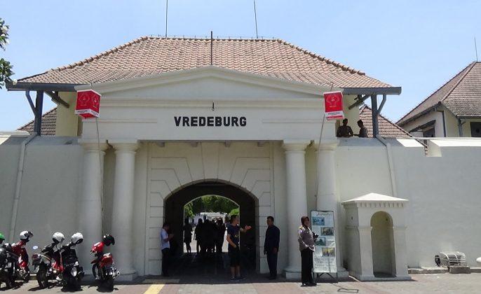wisata-jogja-sekitar-malioboro-benteng-vredeburg