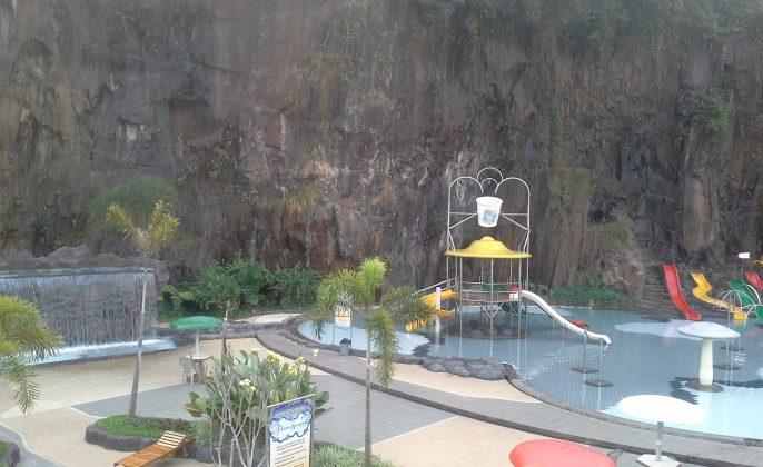 tempat-liburan-bandung-nirwana-waterpark