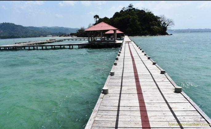 Tempat Wisata di Bandar Lampung pulau kubur