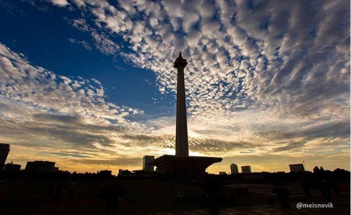 tempat wisata di jakarta monumen nasional