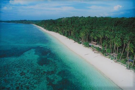 Pasir pantai panjang wisata di Pontianak