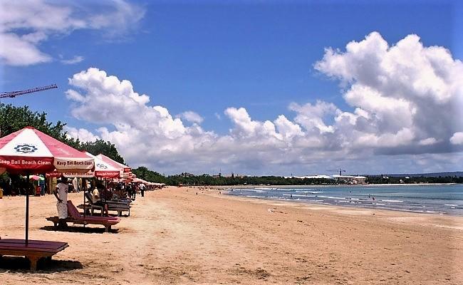 Tempat wisata Bali Pantai Kuta