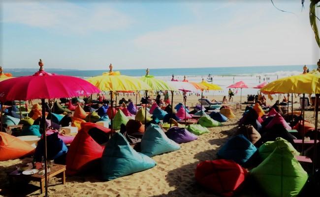 Wisata Pantai Seminyak bali
