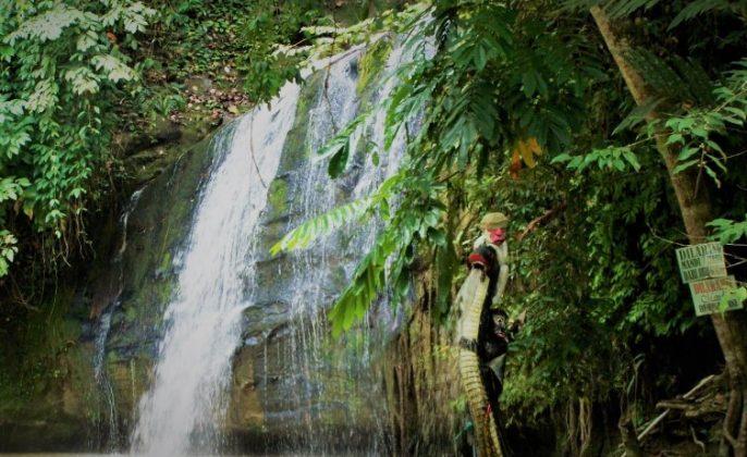 Wisata di Samarinda Air Terjun Tanah Merah