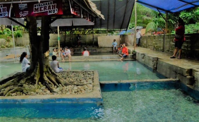 Wisata pemandian air panas negeri tulehu Ambon