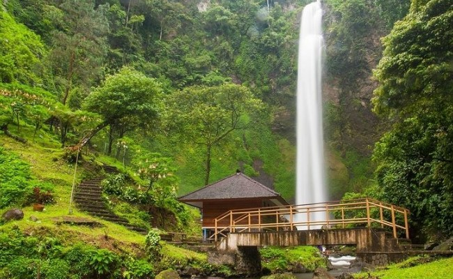 rainbow-waterfall-wisata-lembang-bandung