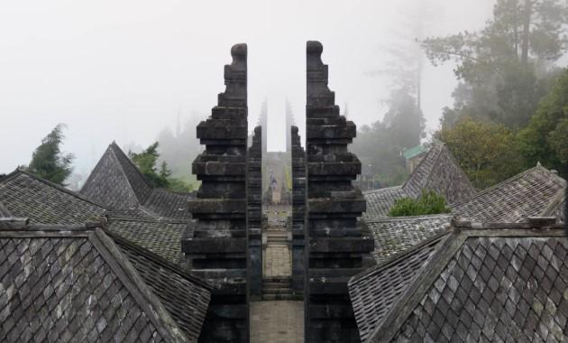 mitos misteri sejarah candi cetho