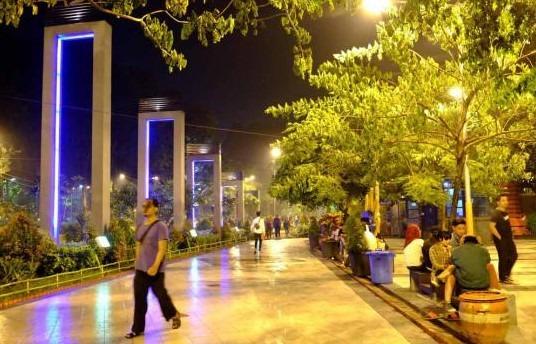 tempat wisata malam Surabaya