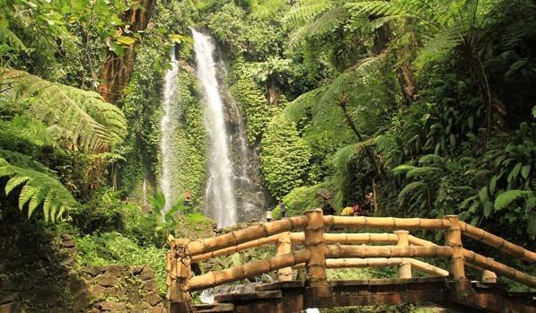 Wisata Solo dekat Stasiun Grojokan Sewu Tawangmangu