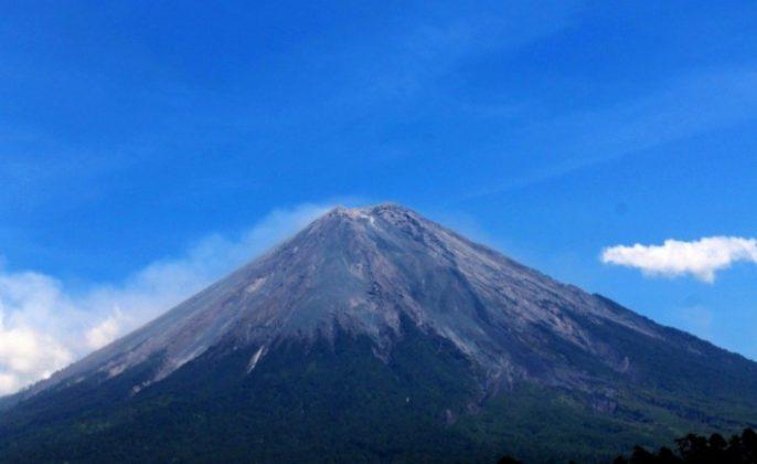 misteri gunung semeru lumajang