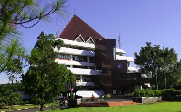 IPB universitas negeri terbaik Indonesia